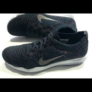 Womens Nike Air Zoom Fearless Flyknit size 8.5